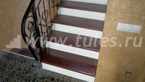 Крепление Столбов и Балясин Лестницы: Виды, Способы, Фото